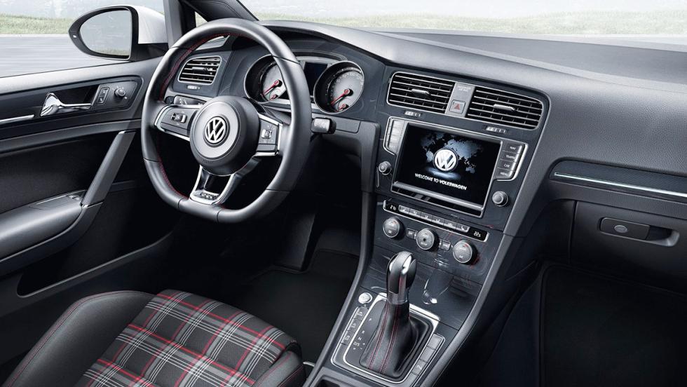 Tapicería tartán del Golf GTI VII
