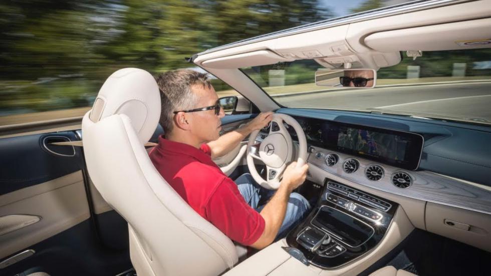 Al volante del Mercedes Clase E Cabrio