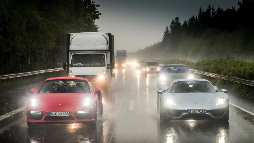En Alemania, a ratos diluviaba, a ratos había atascos