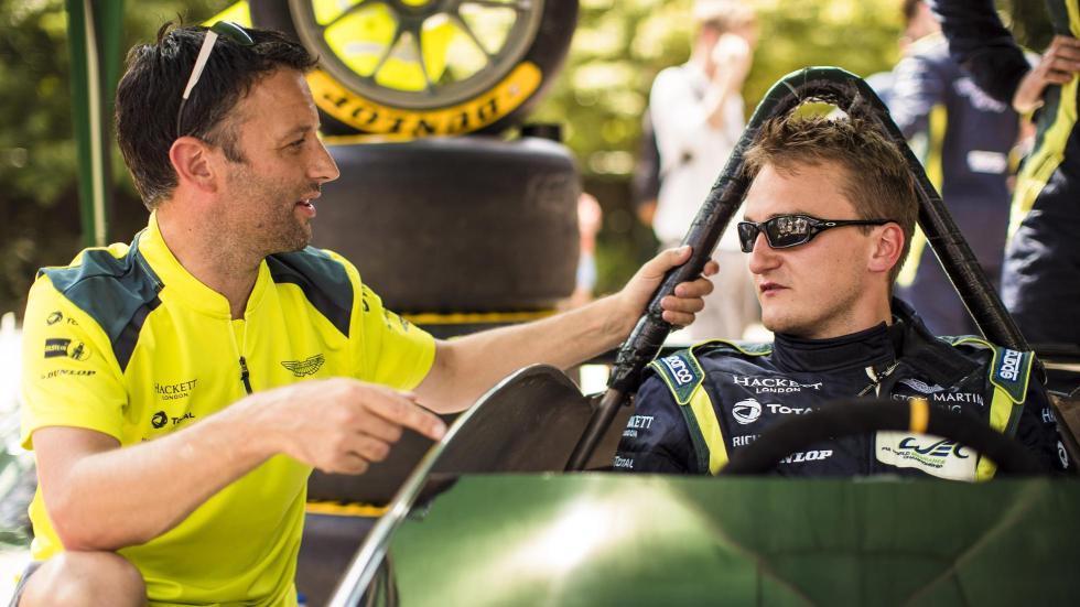 Aston Martin Vantage V8 en los Autos Locos de Red Bull (VII)