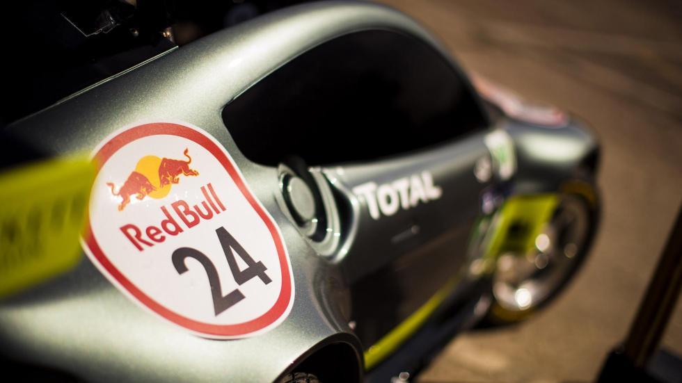 Aston Martin Vantage V8 en los Autos Locos de Red Bull (X)