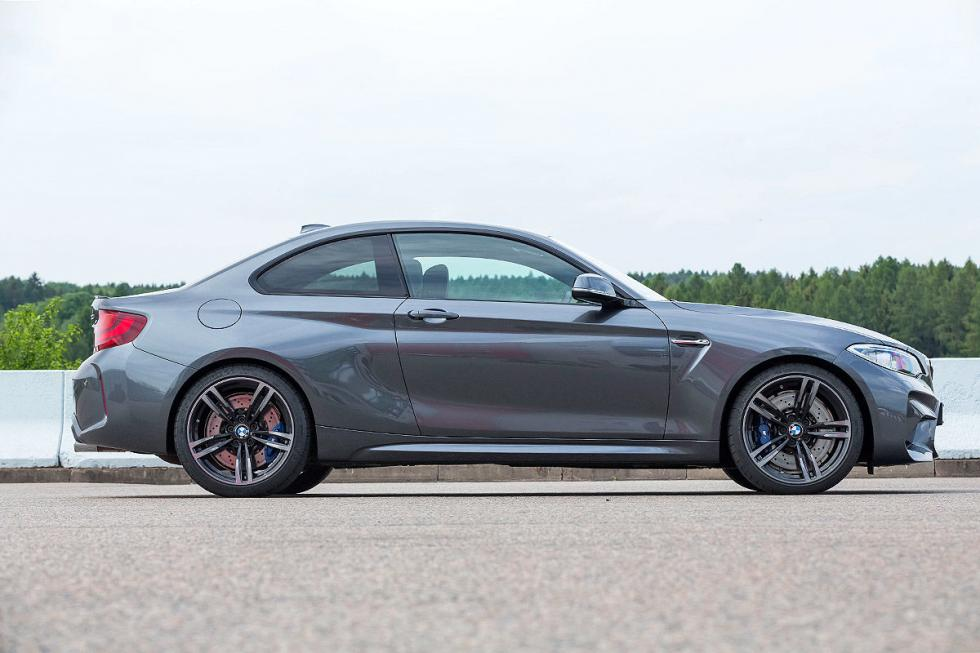 Lateral BMW M2