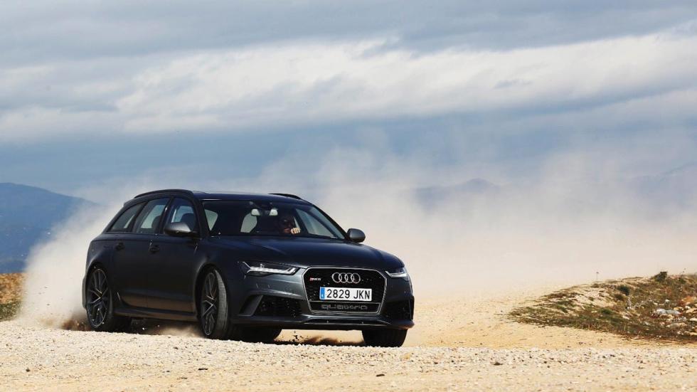 Audi RS6 derrape tierra tracción