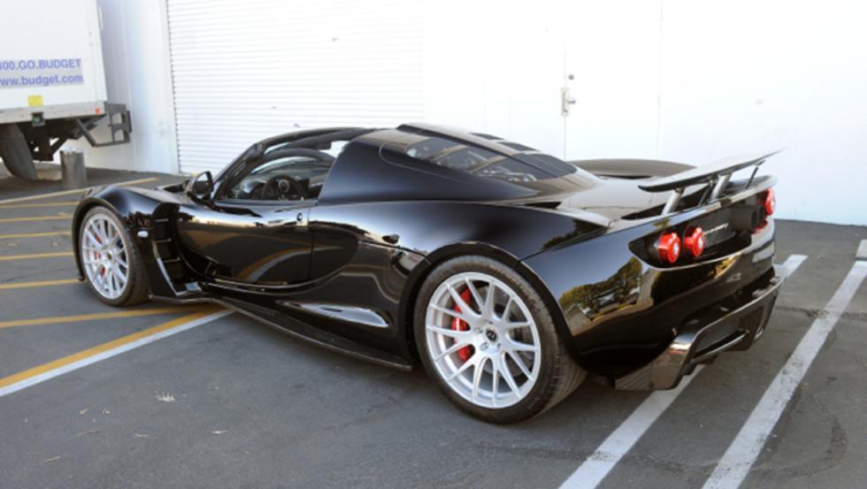 ¡Cómo mola el Hennessey Venom GT Spyder del amigo Steven!