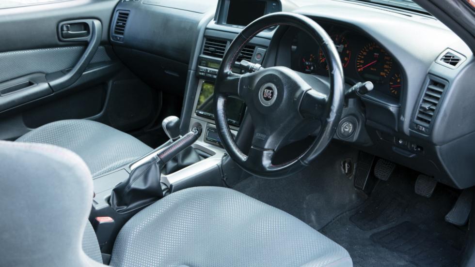 Nissan Skyline GT-R V-Spec (9)