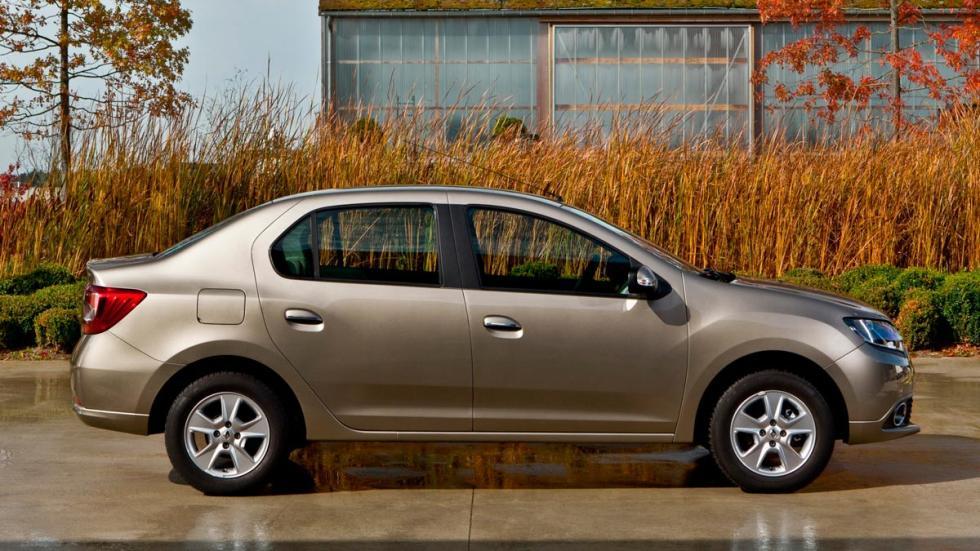 Renault Symbol Dacia berlina sedán económico desconocido