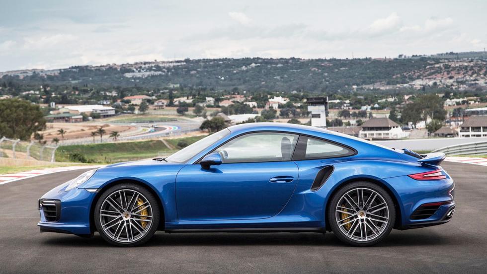 Los rivales del Mercedes-AMG GT - Porsche 911 Turbo