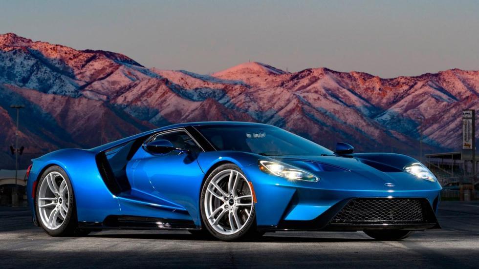 Rivales del Porsche 911 GT2 RS deportivos lujo Lamborghini Dodge Ford GT Nismo