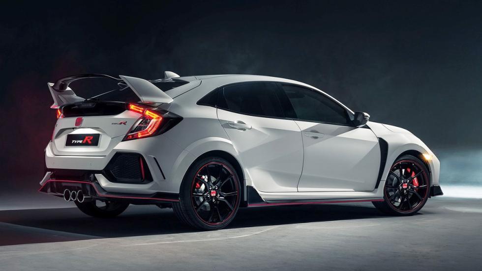 5 coches tan horteras para el verano como un bañador 'turbopacket' - Honda Civic Type R 2017
