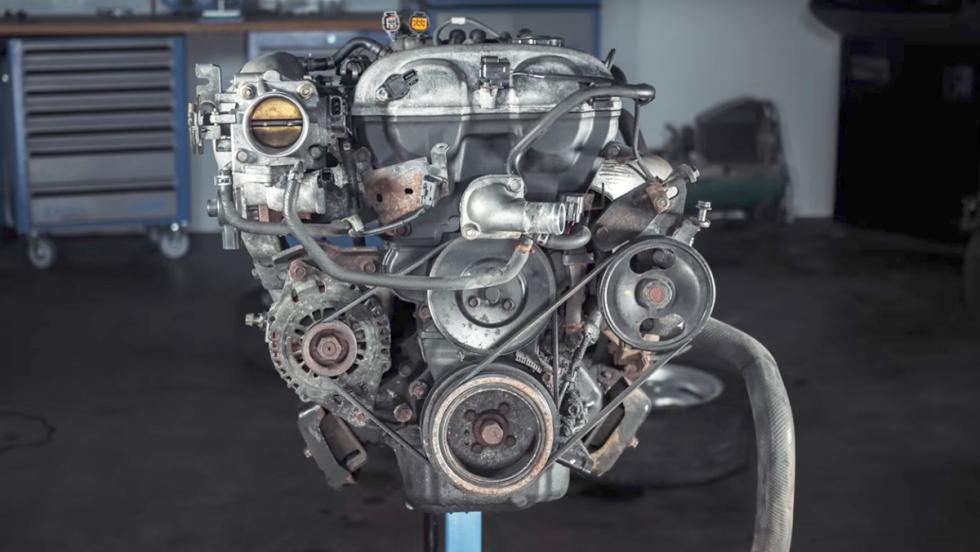 Así se desmonta el motor de un MX-5