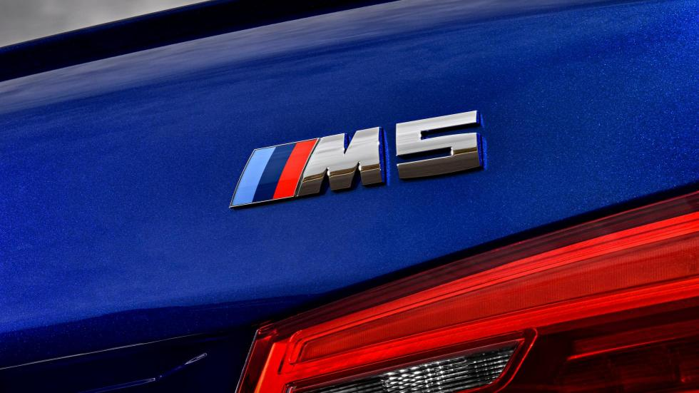 BMW M5 2017 (XV)