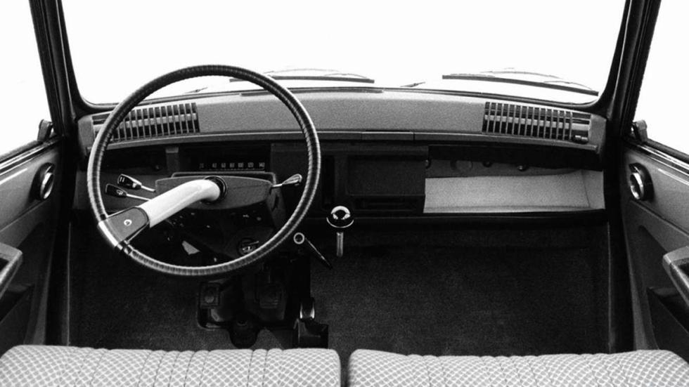 Citroën Ami 8 desconocidos familiar