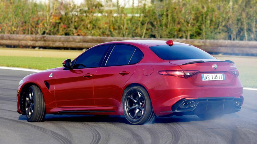 Los mejores motores V6 del mercado - Alfa Romeo Giulia Quadrifoglio Verde