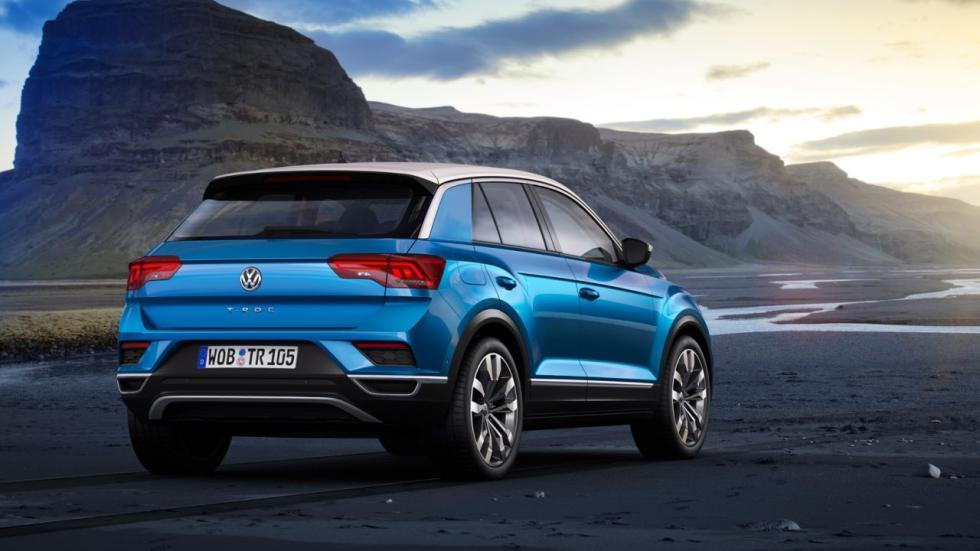 Volkswagen T-Roc detrás
