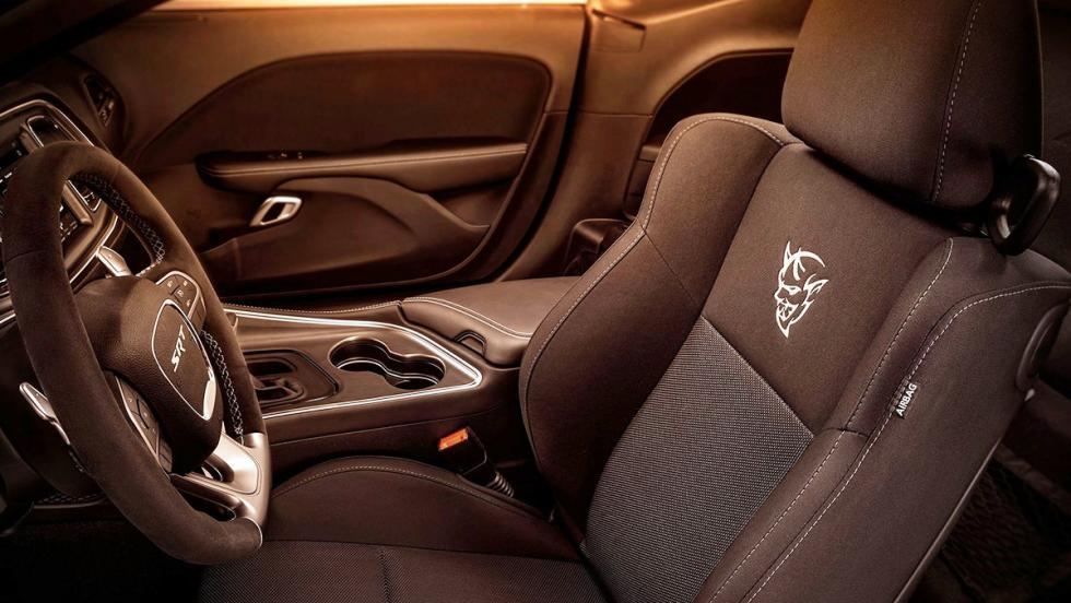 5 coches nada prácticos pero muy molones que puedes comprarte hoy - Dodge Challenger SRT Demon