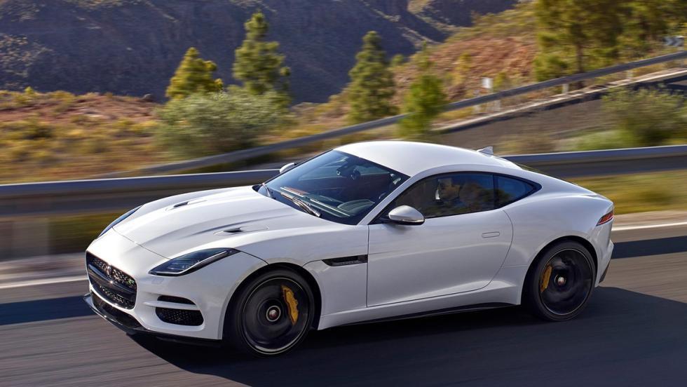 5 deportivos a los que el nuevo Cayenne Turbo dejaría en ridículo en el 0-100 - Jaguar F-Type R