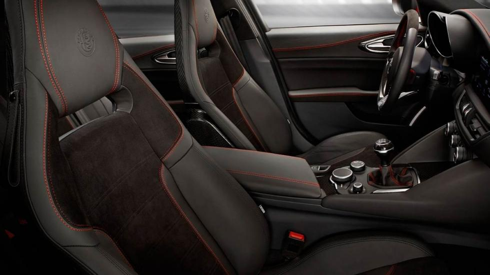 Alfa Romeo Giulia QV deportivo berlina lujo