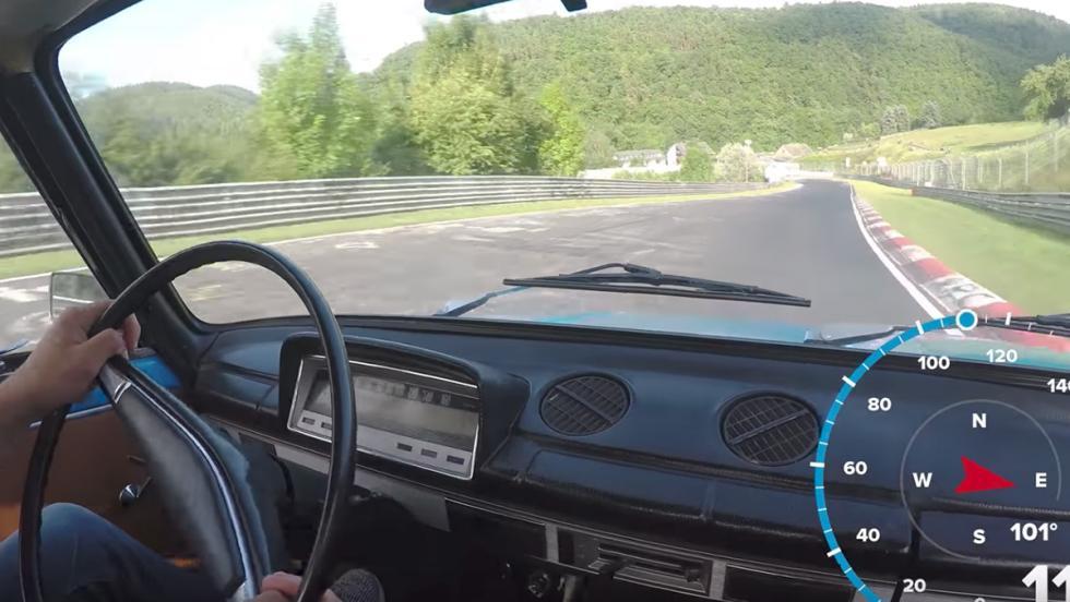 Un Lada dándolo todo en Nürburgring