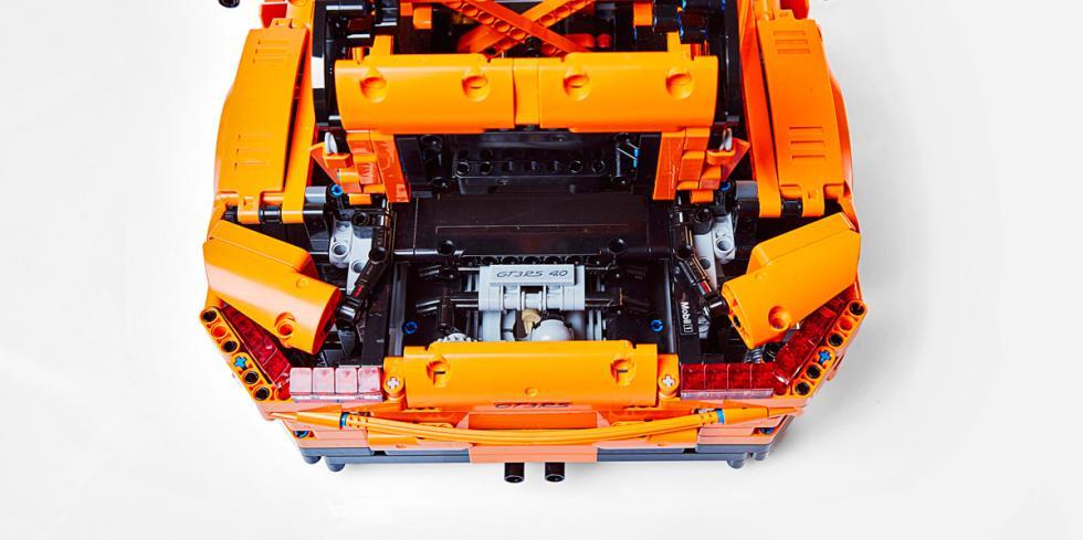 Porsche 911 GT3 RS Lego (detalle)