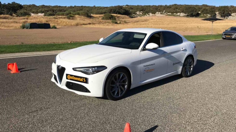 Prueba de asistente de frenada de Continental con un Alfa Romeo Giulia