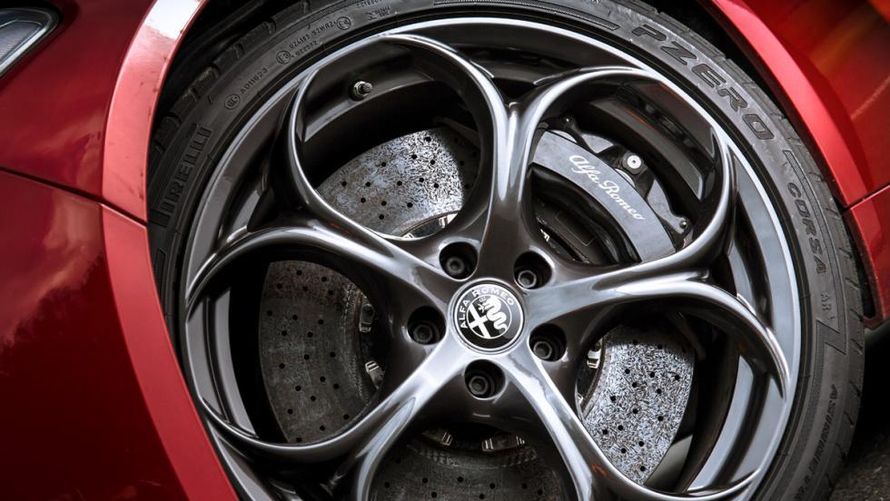 Alfa Romeo Giulia QV (rueda)