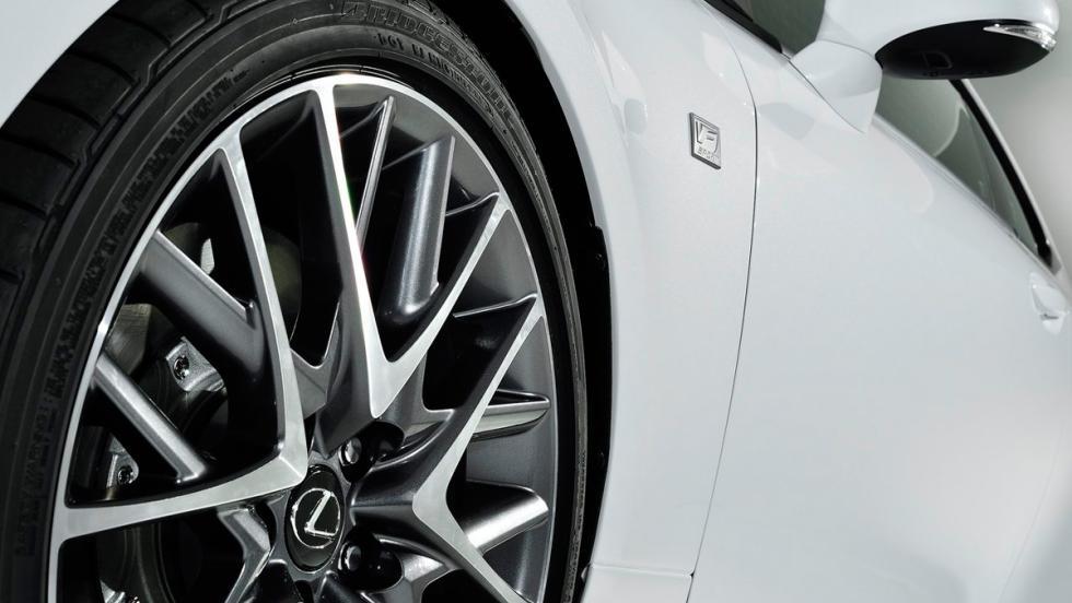 Lexus RC 300h F-Sport (V)