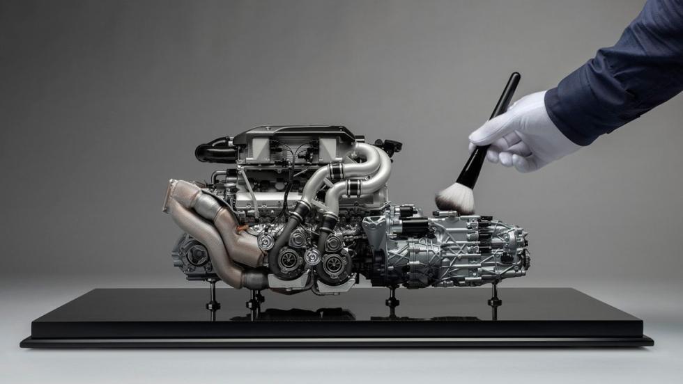 Motor a escala de un Bugatti Chiron (V)