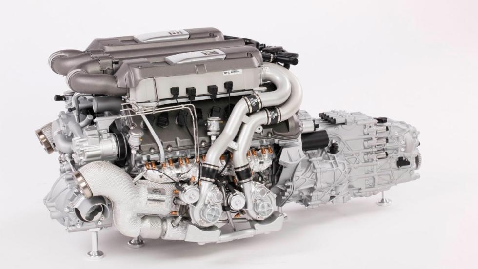 Motor a escala de un Bugatti Chiron (VI)