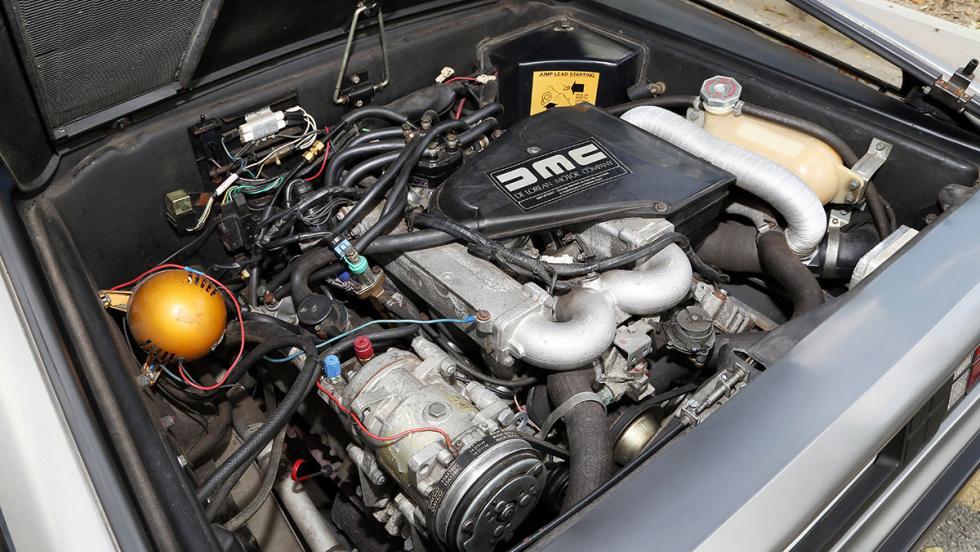 Los tres peores motores de seis cilindros - DeLorean DMC-12 2.8 V6