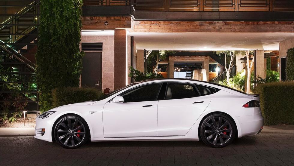 5 berlinas que enamoran - Tesla Model S P100D