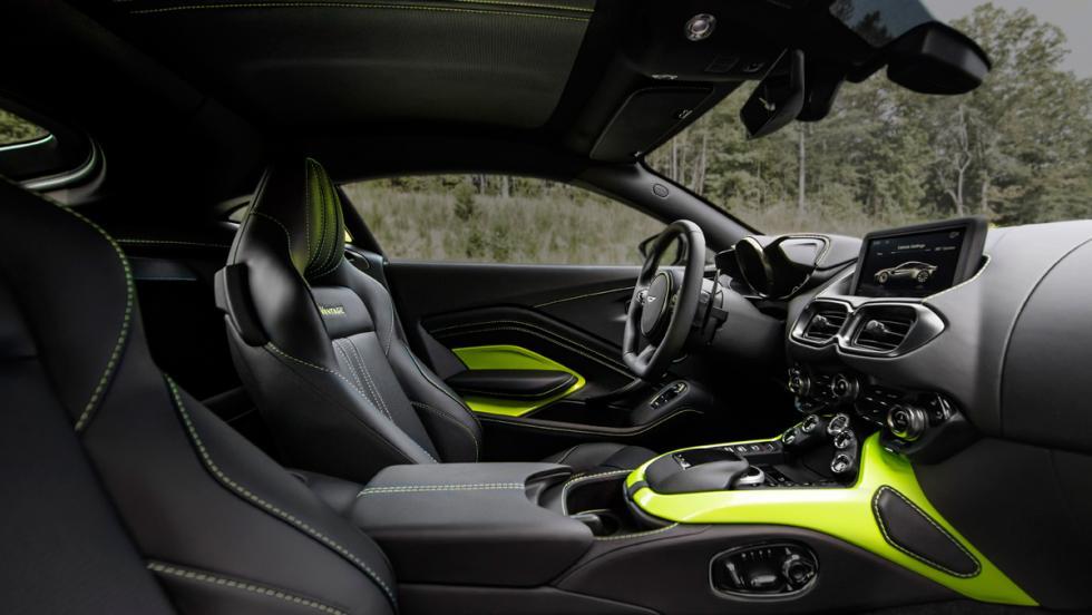 Aston Martin Vantage 2018 (interior)