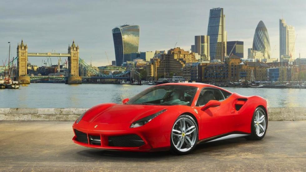 Coches deportivos más vendidos octubre: Ferrari 488 GTB - 4