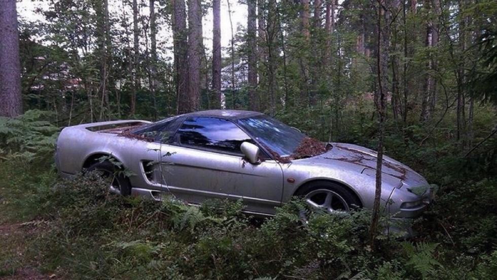 Honda NSX abandonado