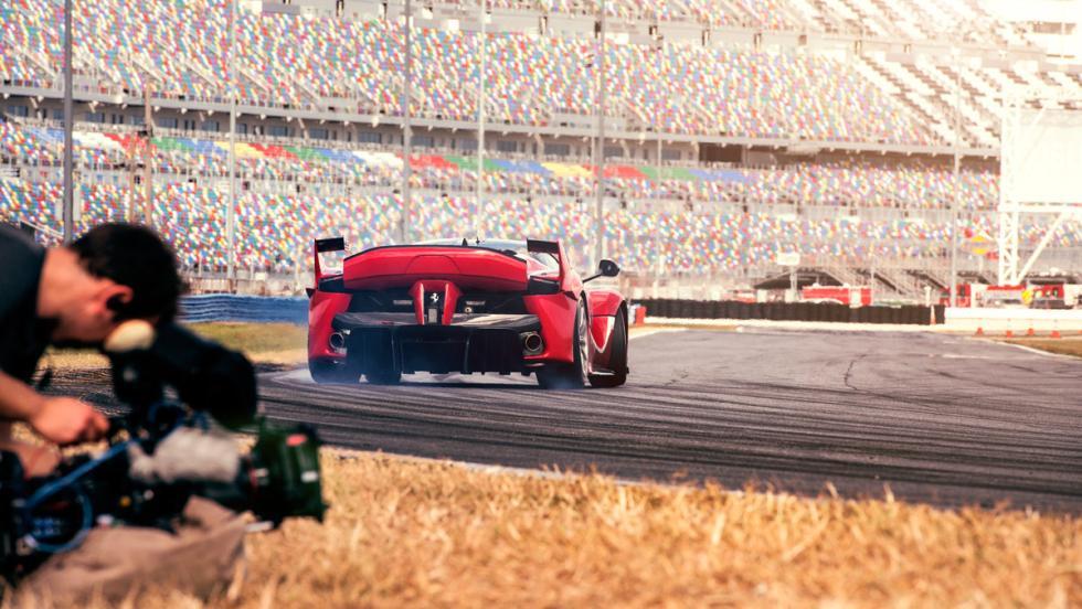 Prueba Ferrari FXXK (derrapando)