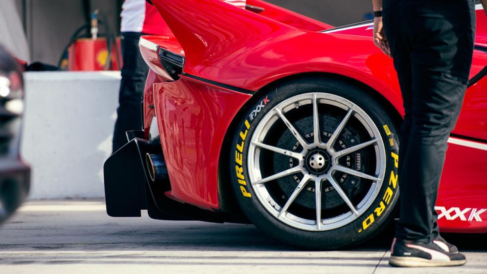 Prueba Ferrari FXXK (ruedas)
