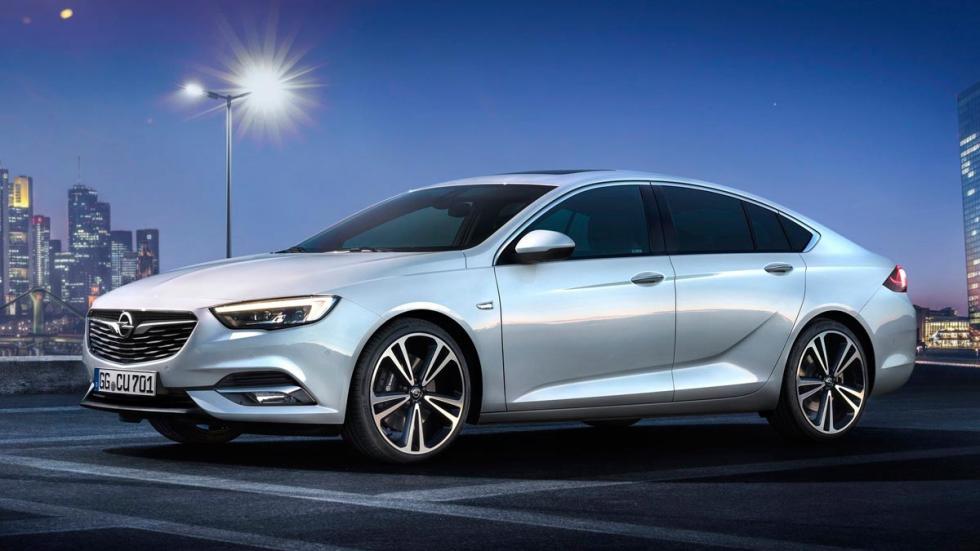 Opel Insignia sedán mediano