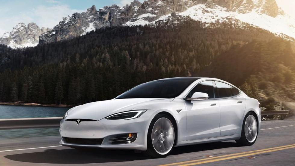 Tesla Model S - 18 unidades