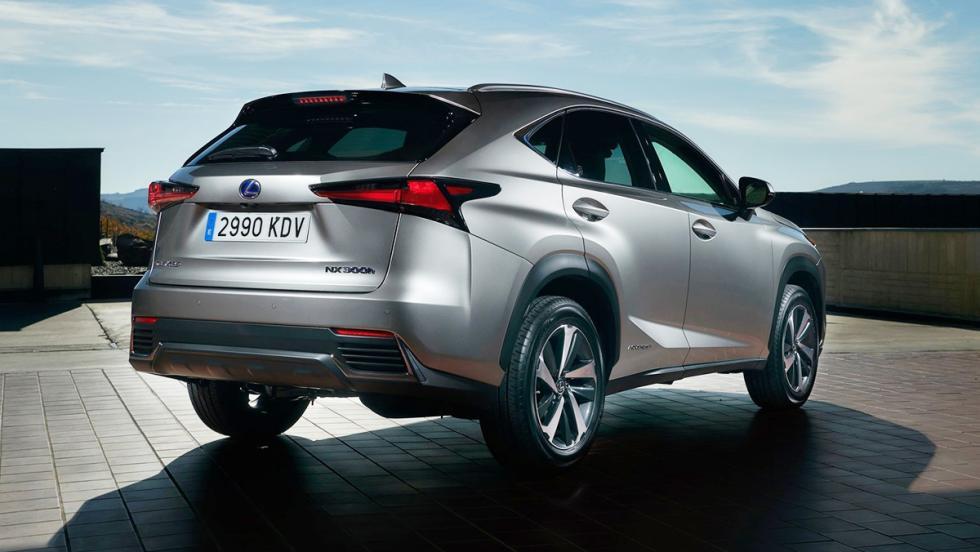 Todos los coches híbridos que puedes comprar - Lexus NX