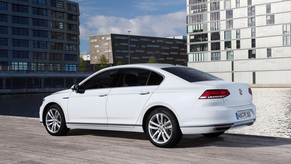 Todos los coches híbridos que puedes comprar - Volkswagen Passat GTE