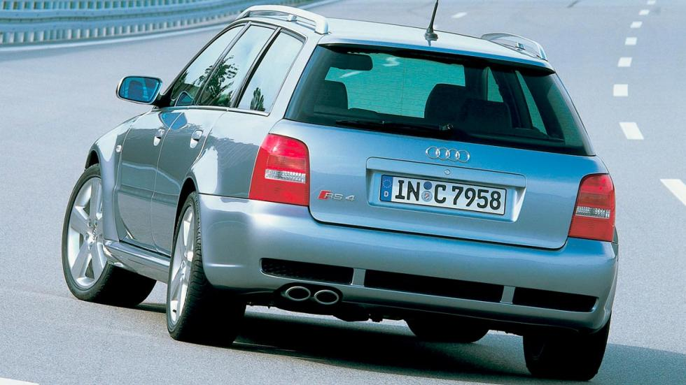 Audi RS4 B5 familiar deportivo lujo