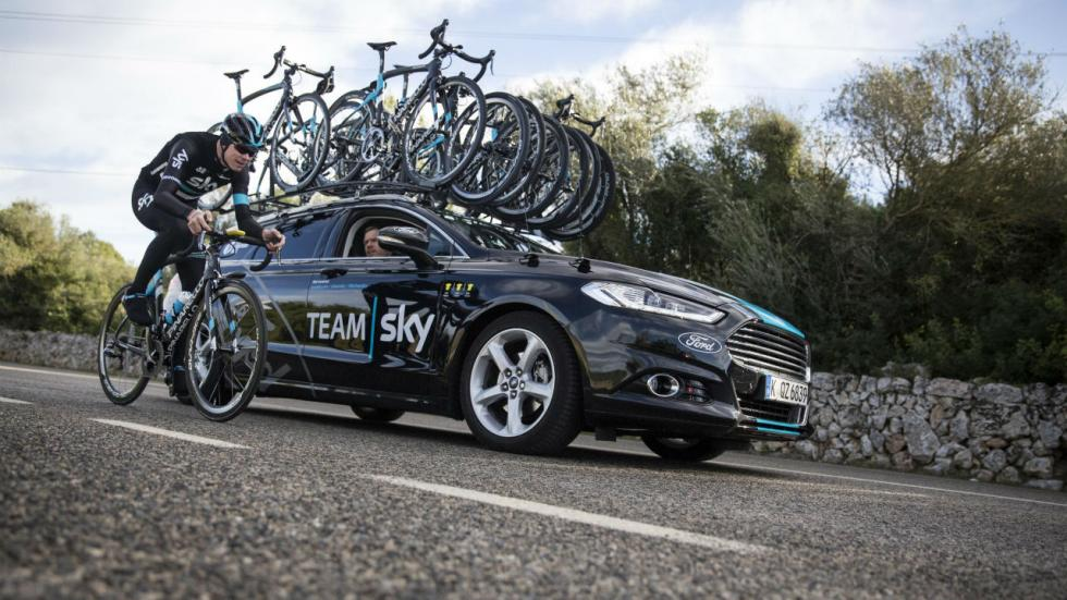 Los coches del Team Sky:Ford Mondeo