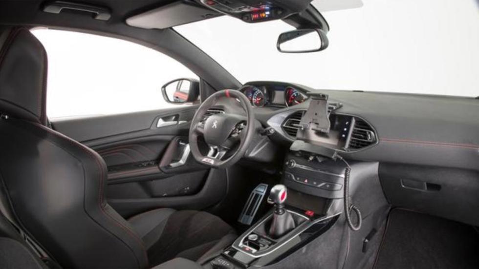 Peugeot 308 GTI de los Carabinieri coche de policia deportivo compacto