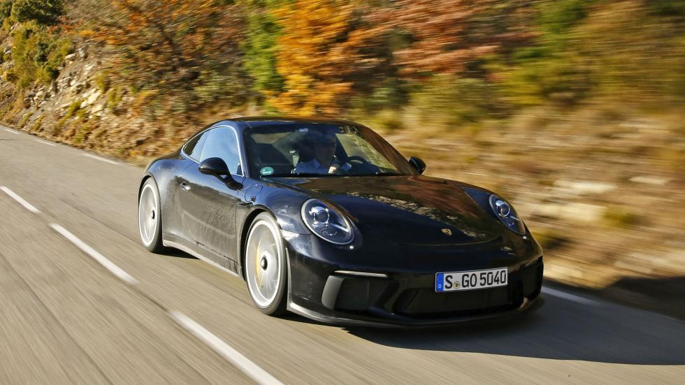 Porsche 911 GT3 Touring en movimiento