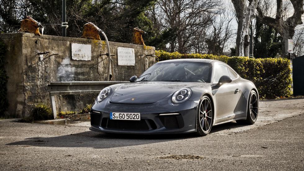 Porsche 911 GT3 Touring frontal