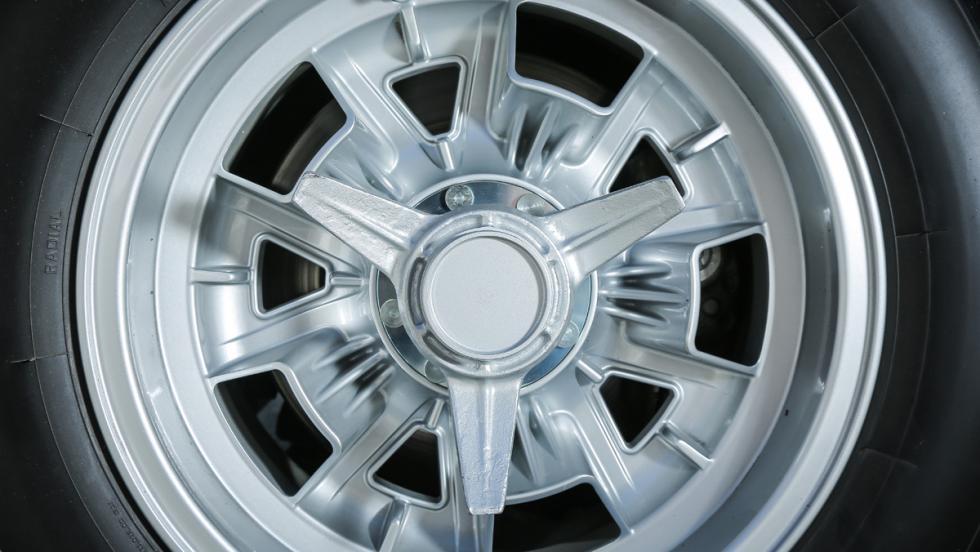 Prueba Lamborghini Miura (rueda)
