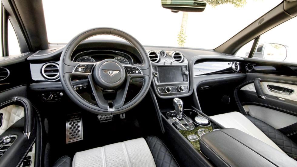 Bentley Bentayga (interior)