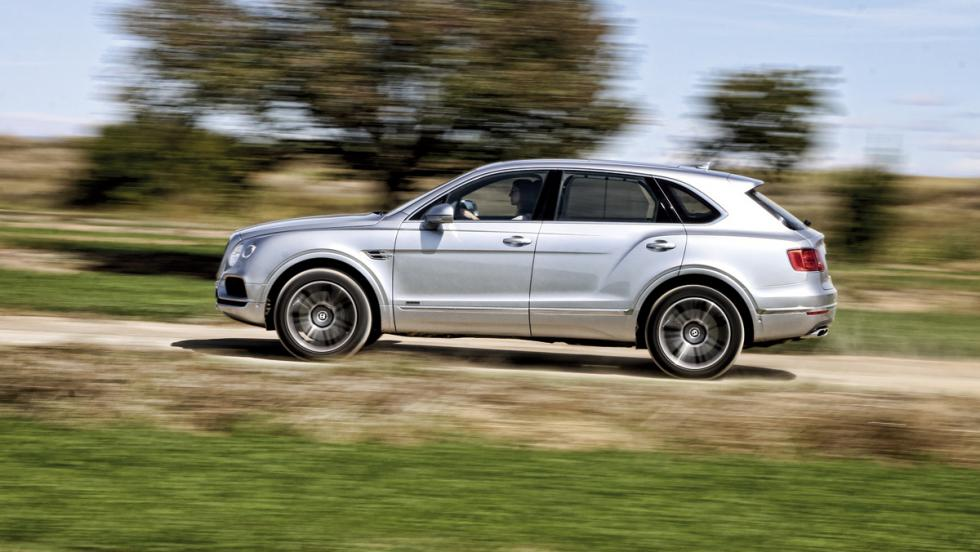 Bentley Bentayga (lateral)