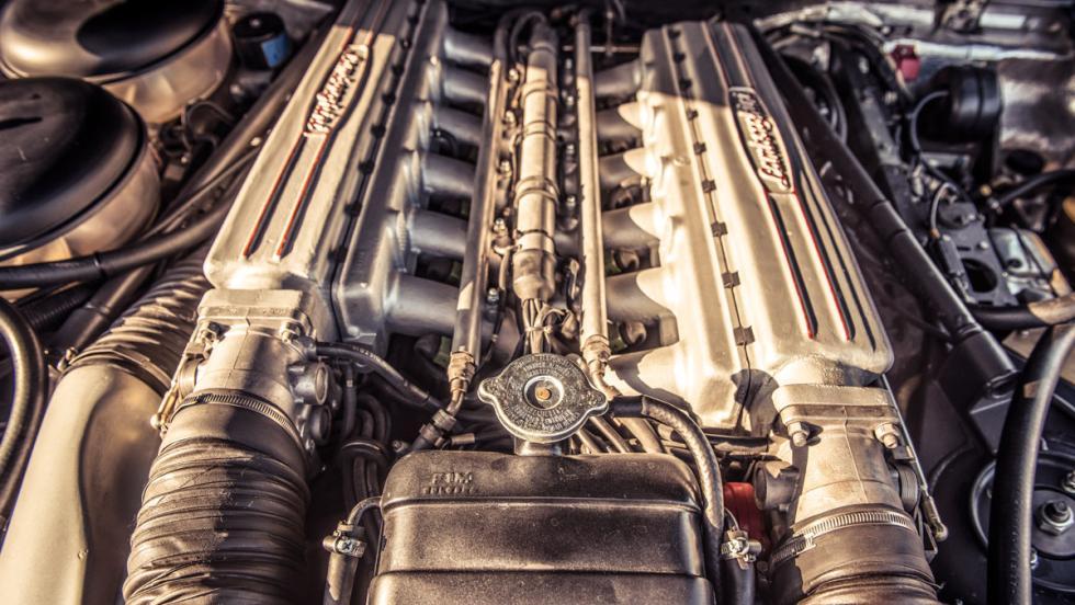 Prueba Lamborghini LM002 (motor)