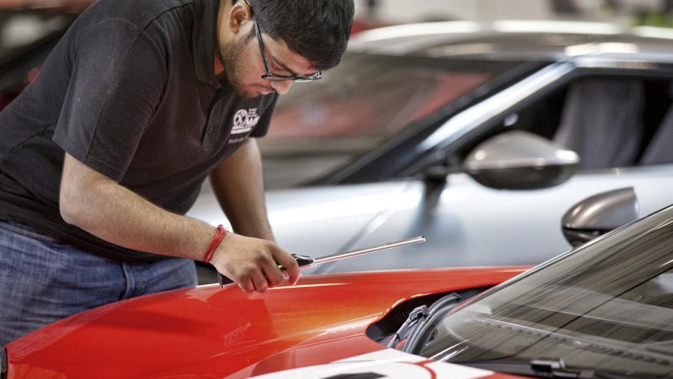 Fábrica Ford GT (acabados)