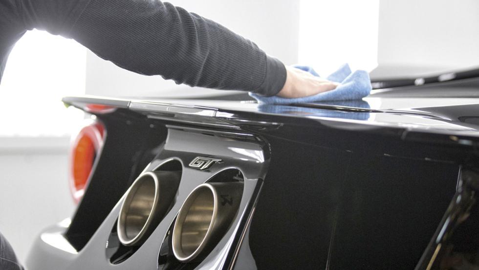 Fábrica Ford GT (limpieza)